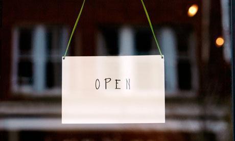 Open sign on small busine 007 Общи изисквания при извършване на търговска дейност в магазин