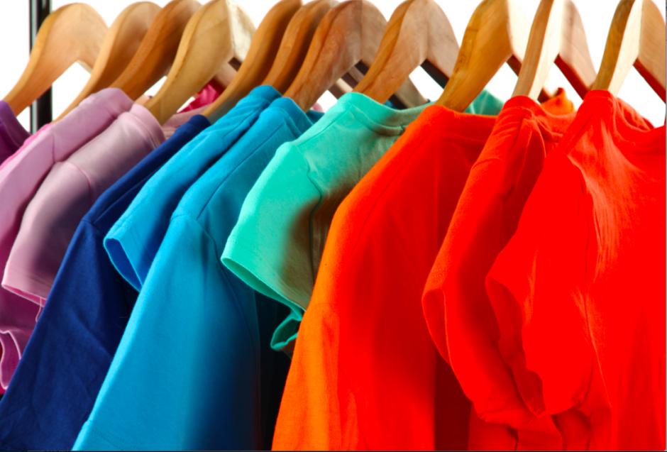 clothes 940x637 Регистрация на магазин за дрехи втора употреба